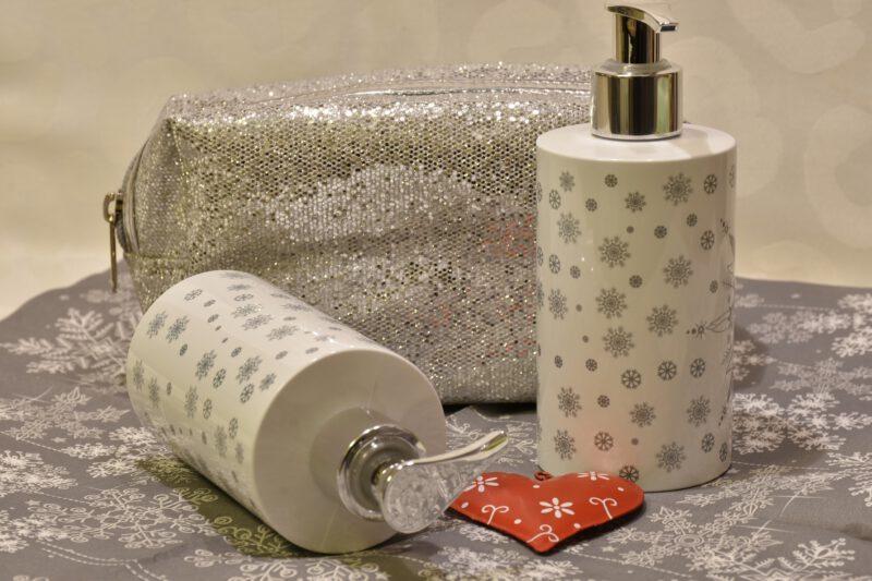 Domowe produkty do mycia twarzy dla różnych rodzajów skóry